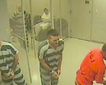 Des prisonniers s'évadent de leur cellule… pour sauver un gardien!