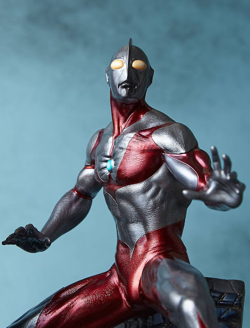 osw.zone Pre-order Gecco approximate 11.25-inch (28.5cm) tall ULTRAMAN Pre-painted Model Kit