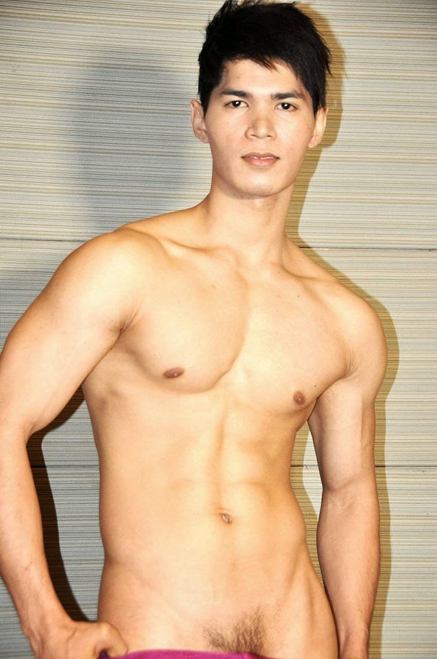Naked Pinoy Male 54