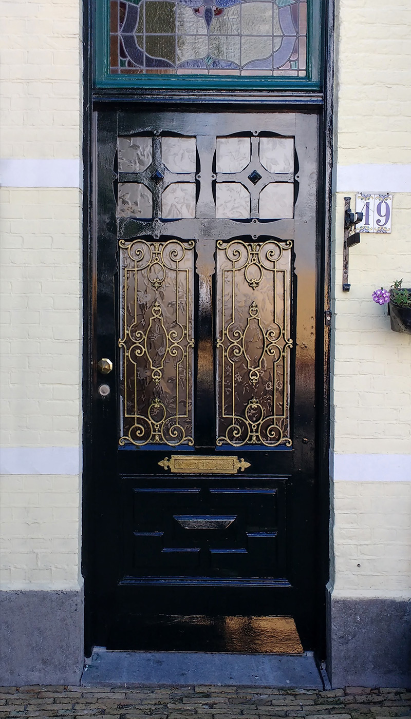 ... around Europe of home and apartment building doors. There are some old some new some modest and some fancy options as inspiration but they all have ... & Casual Casa: European Front Doors