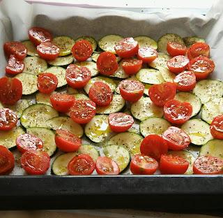 pasta estiva con pomodorini e zucchine