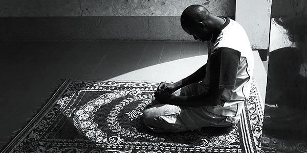 Cara Agar Bisa Sholat Dengan Khusuk Ala Imam Al Ghozali