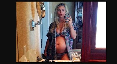 Jessica Simpson foto en twitter de su segundo embarrazo