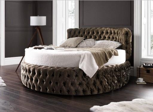 Luxus-Rundbett-chesterfield-Design-in-weiß-braun