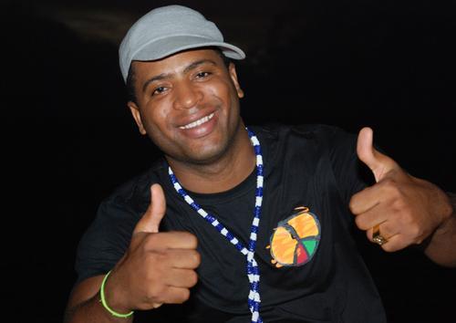 Osman Santos Ft Mr. Pulungunza e Yuri Da Cunha