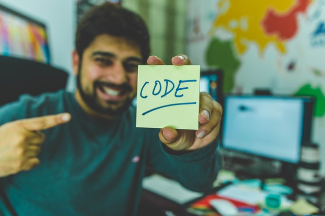 افضل 4 مواقع لإنشاء وتعديل وتحرير الأكواد والنصوص البرمجية لهذا العام