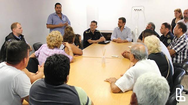 Secretario Diego Kravetz reunido con vecinos de Lanús