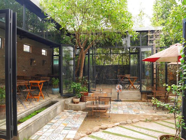 Cà phê Muối coffee shop, salt coffee, imperial city Hue