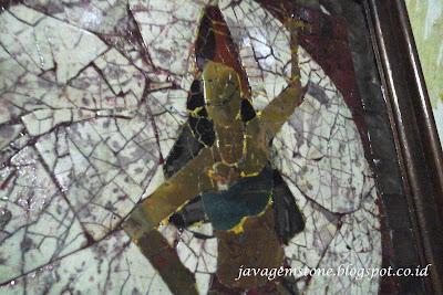 Mozaik Langka Batu Alam
