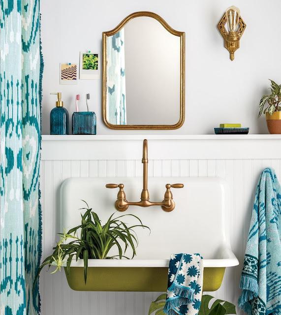 stare lustro w łazience