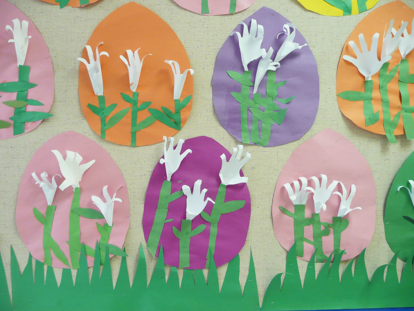 Simple DIY Paper Easter Lily Tutorial and Pattern to Make Today! | 1200x1600