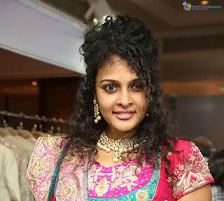 Sonia Deepti HD Wallpapers