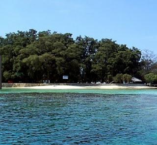 http://www.teluklove.com/2017/04/destinasti-objek-wisata-pulau-genteng_16.html