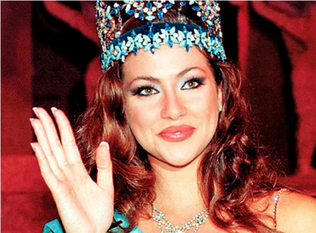 c019691e75ea Ειρήνη Σκλήβα  Έτσι είναι σήμερα η ωραιότερη γυναίκα του κόσμου για το 1996  (photos