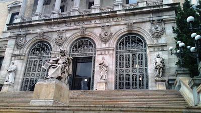 El conocimiento vuela en la Biblioteca Nacional de España por Kaiser Solano de Alpargata Viajera. España.