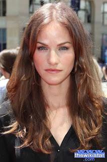 كيلي اوفرتون (Kelly Overton)، ممثلة أمريكية من أصل شيروكي