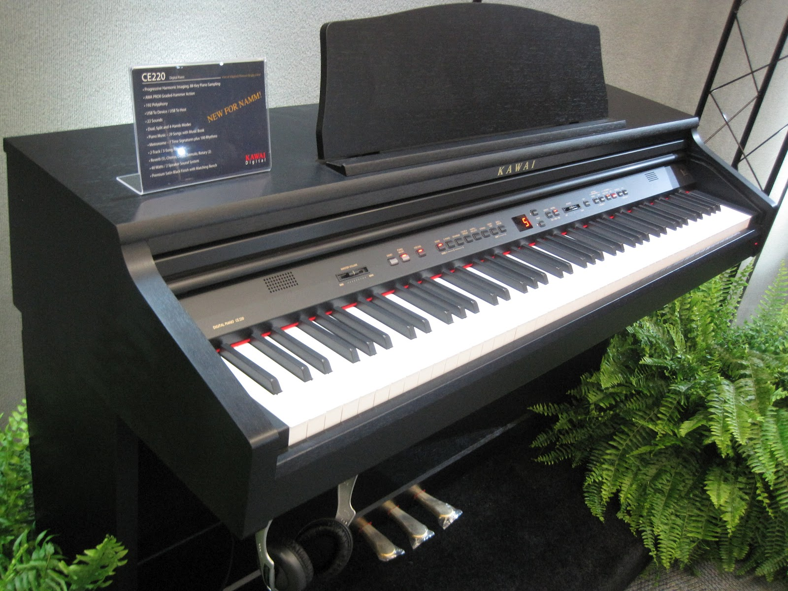 az piano reviews review roland hp302 hp305 hp307 digital pianos very nice with the. Black Bedroom Furniture Sets. Home Design Ideas