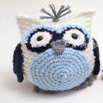 https://translate.google.es/translate?hl=es&sl=en&tl=es&u=http%3A%2F%2Fhomemadebygiggles.blogspot.com.es%2F2016%2F03%2Fbean-bag-owl-free-crochet-pattern.html