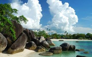 Pantai Tanjung Tinggi Tempat Wisata di Belitung
