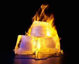 Percobaan Sains : Membuat Es Batu Api