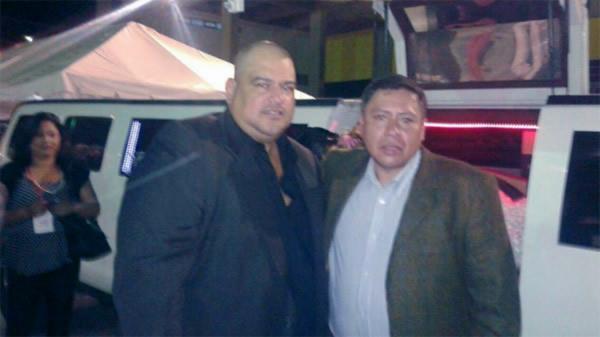 Romer Gutiérrez junto a David Vargas.