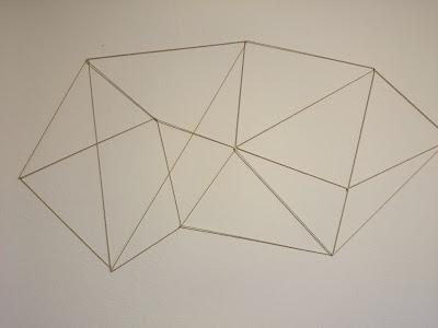 [DIY Sunday] Geometrische Bilderwand // Geometric Photo Wall