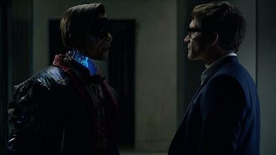 Velvet Buzzsaw 2019 Netflix Jake Gyllenhaal robot