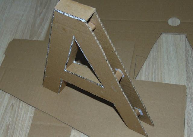 litera z kartonu DIY