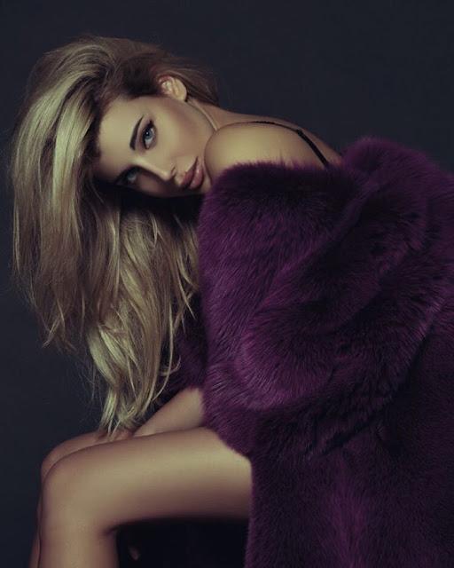 Φωτογραφικό αφιέρωμα στην sexy κόρη του Claudio Caniggia, Charlotte