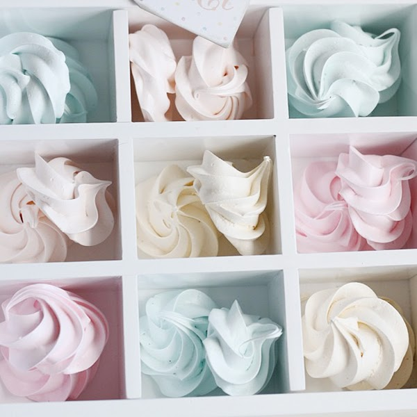 Pretty pastel mini meringues and perfect food phootgraphy ideas - Retro Pastel Kitchen Colors That'll Make You Squeal!