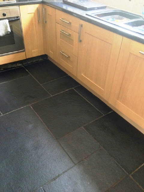 Natural Black Stone Kitchen Floor Material