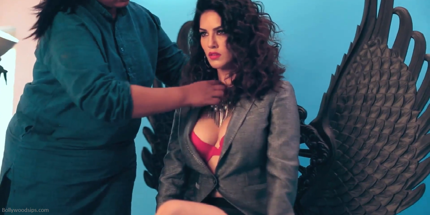 Making-Of-Sunny-Leone-PhotoShoot-For-MANDATE-Cover-April-14-10