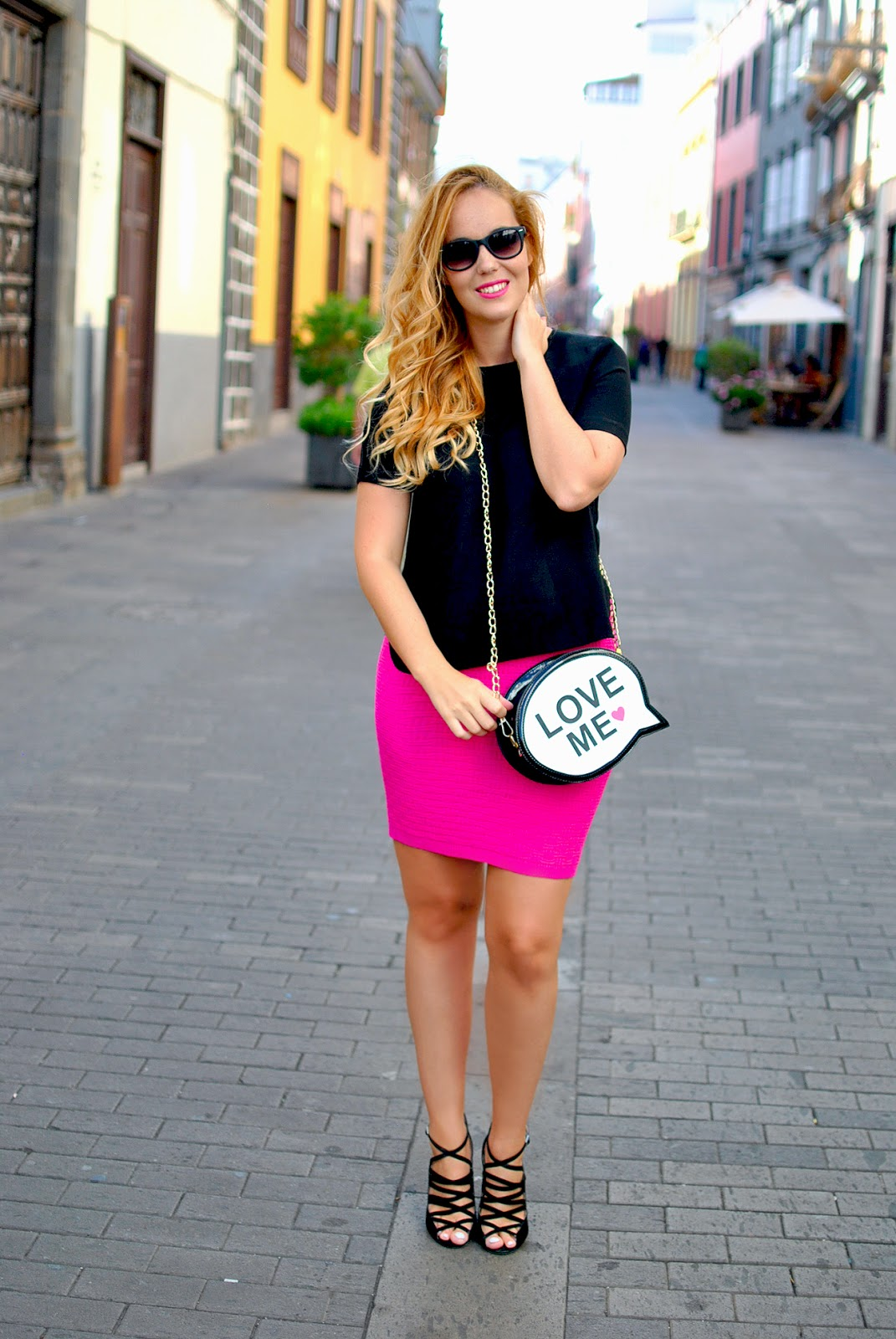 nery hdez, baggood, comic bag , oasap skirt, sunglass junkie, wayfarer sunglasses