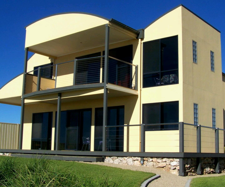 Modern homes designs front views for Modern house design 2013