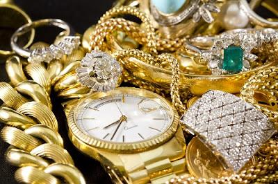 El joyero vende joyas, el orfebre las fabrica