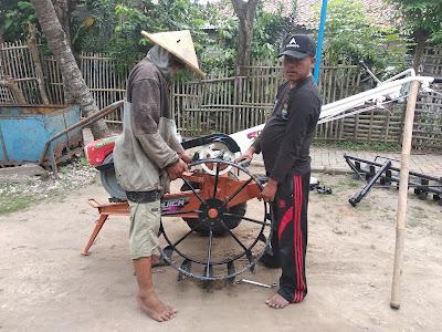 """ul selaku Ketua Ranting Kecamatan Sepatan yang telah membantu dalam proses usulan hingga menerima bantuan alat pertanian ini,""""ucap Obo. (hin)"""