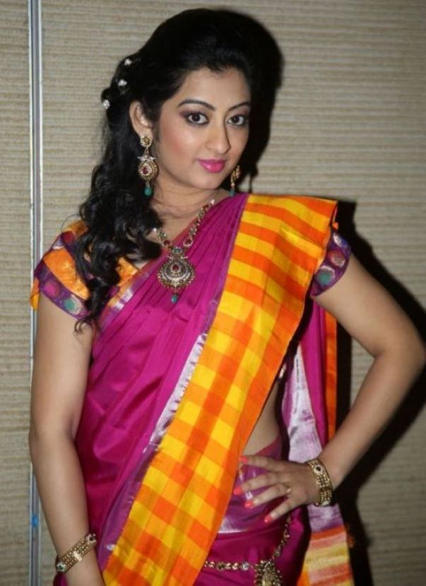 Tollywood Hot Actress Tejaswini Prakash Hip Navel Photos In Designer Pink Saree