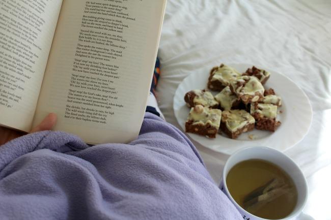 28 small things to do to help turn around a bad day. Nourish ME: www.nourishmeblog.co.uk