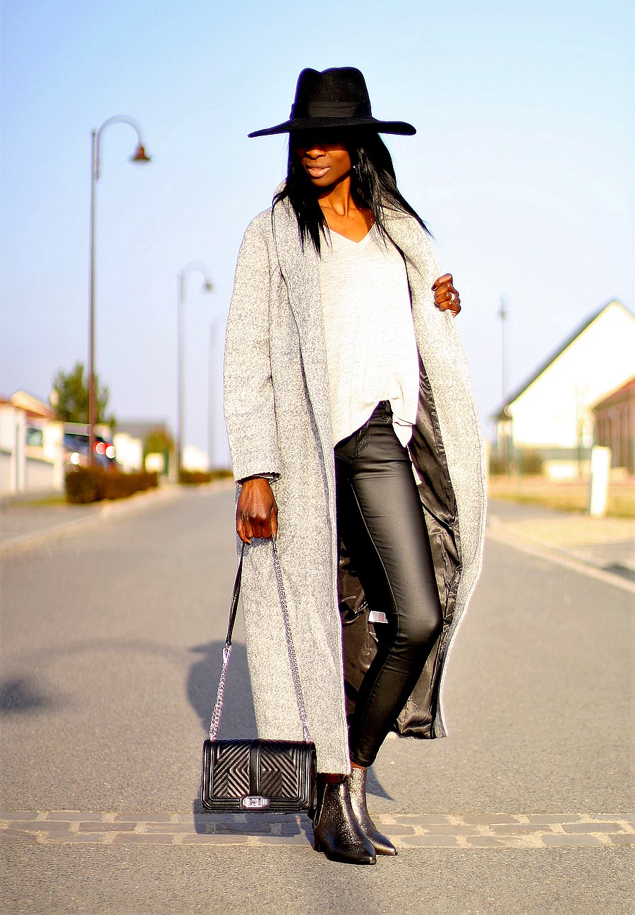 western-chic-chelsea-boots-office-long-coat-missguided-coated-pants-zara-fedora-hat