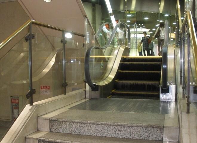 Eskalator Terpendek di Dunia
