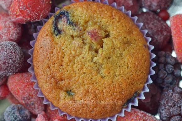 Fruitmuffins oerzoet en amandelmelk