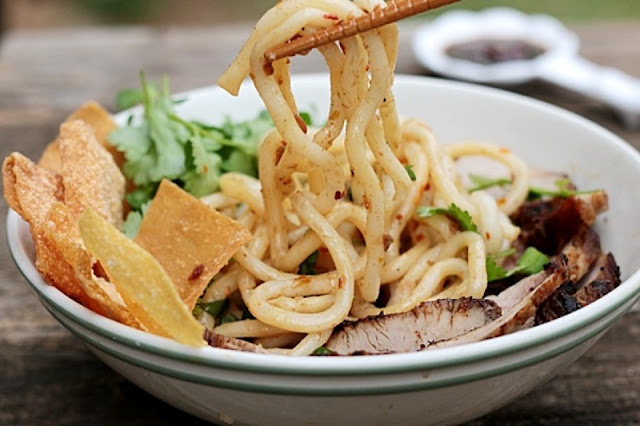 Top street food not to be missed when coming to Hoi An 1