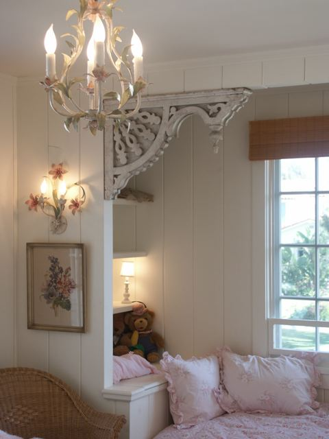 A cozy tranquil window seat with slow living vibe by Giannetti Home - found on Hello Lovely