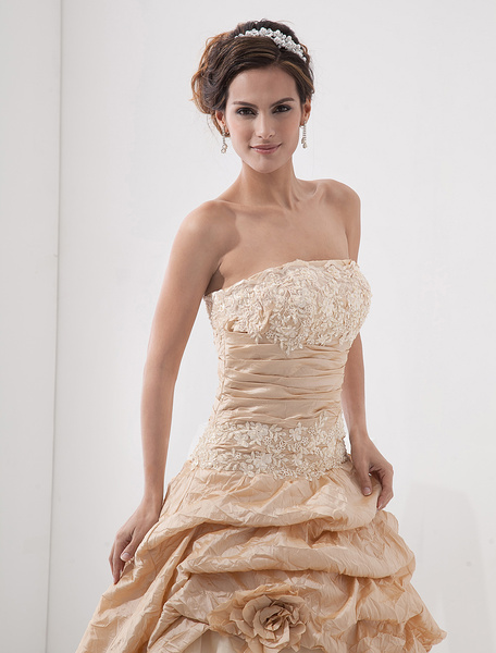 Champagne Wedding Dresses Strapless Ball Gowns Lace Applique Flowers Ruched Chapel Train Princess Bridal Dress