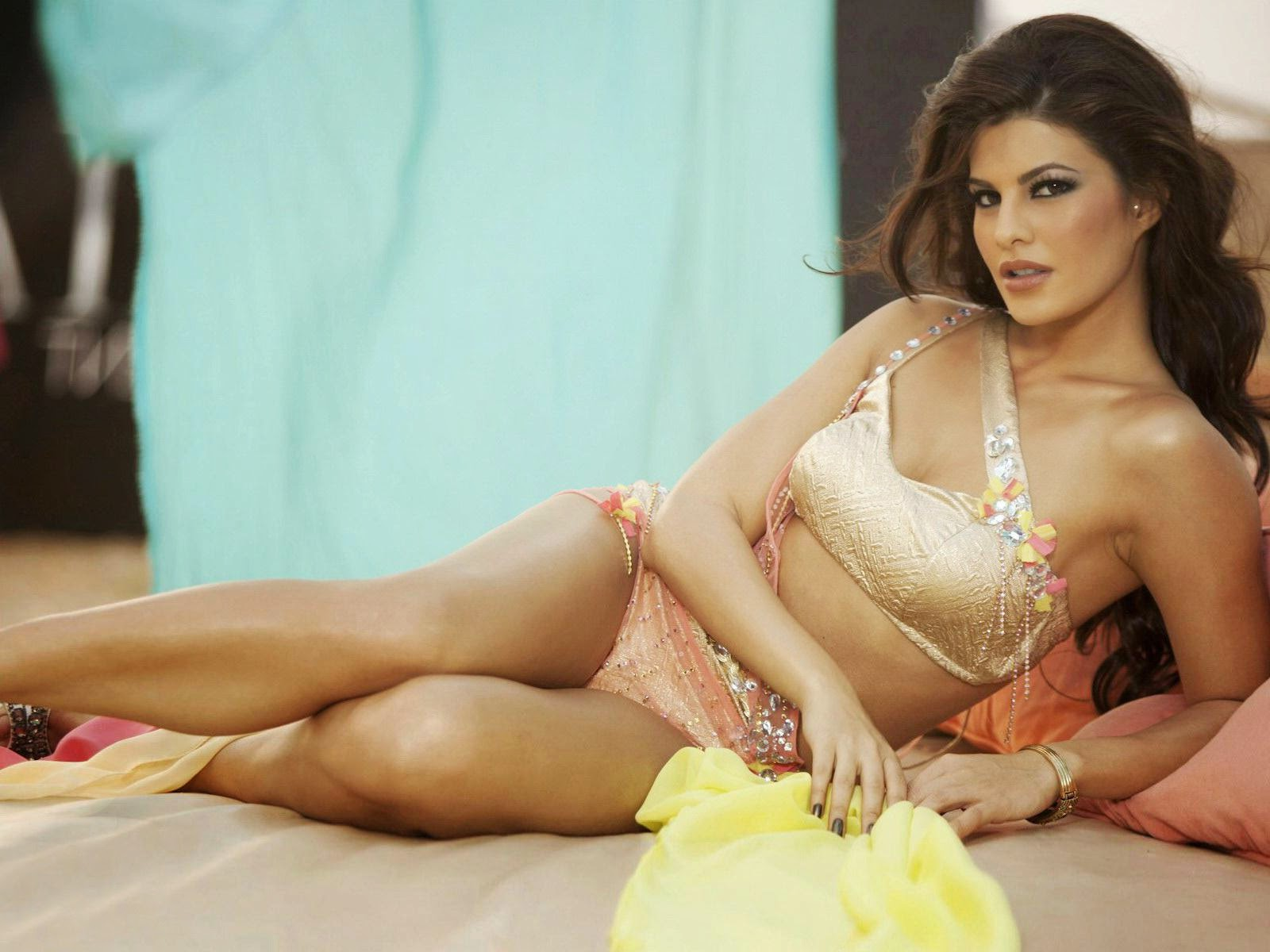 Bollywood Actress Nude Gif Images