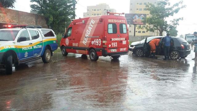 Motorista fica preso nas ferragens durante grave acidente em Rondônia