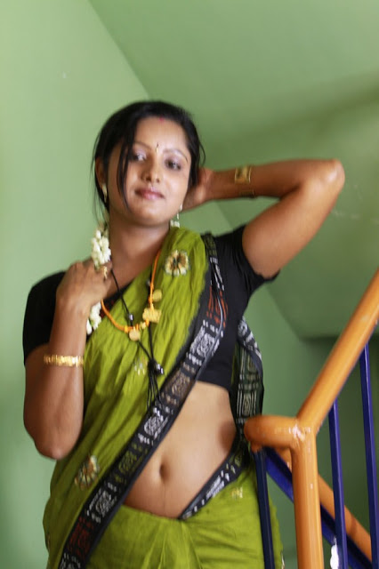Hot Desi Tamil Aunty Hot And Spicy In Saree Photo Album -8218