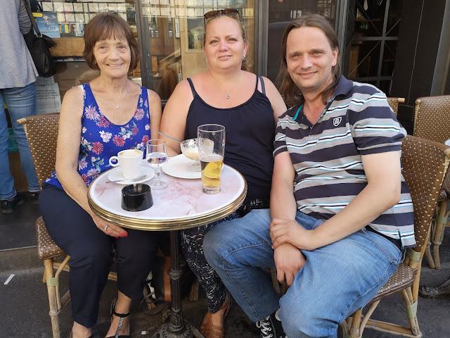 Family at Paris cafe