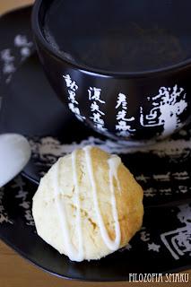 (Ciastka kokosowe z białą czekoladą