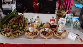 Minum jamu di kedai yang tak ubahnya kafe, pengunjung Suwe Ora Jamu tidak perlu merogoh uang sakunya terlalu dalam. Pengelola kedai sengaja mempertahankan harga sajiannya untuk selalu terjangkau bagi semua lapisan pelanggan di planet Bumi (Buku Manusia). Harga minuman jamu dan makanan sekitar Rp. 1.000 hingga Rp. 50 ribu. Tidak terlupa, budaya tradisional berbentuk makanan ringan pun tersedia, seperti. . . . . ????